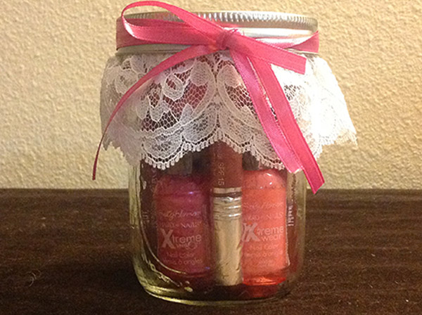 Mason_Jar_Gift_Idea_for_girls_pampering_in_a_jar